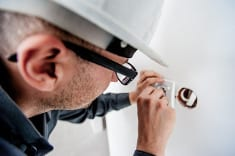 What Tools Do Electricians Use