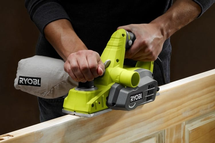 CAN YOU USE A PLANER TO REMOVE PAINT?